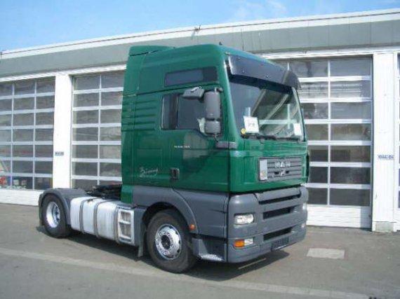 MAN 480 pk traktor year 2003 euro 3 ,foul extra ,retarder,650000 km  ,17000 EURO