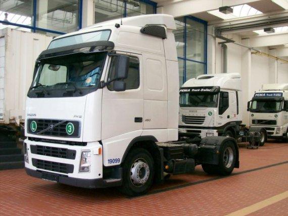 Volvo FH12 460 PS Globetrotter tahač návesov, 2005, 538 000 km, Euro 3, klima