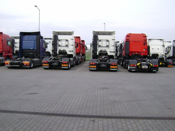 VOLVO 420 FH, year 2005, XL Cabina, IVECO, Mercedes, MAN