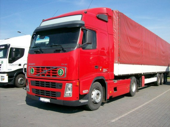 Volvo FH12 420 PS 4x2 Globetrotter tahaƒ návÏsà, 1. Evidenz 01.10.2003,  551000 km, Euro 3, Klima, Spoiler